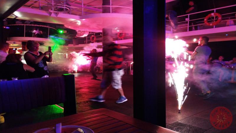 Ночная дискотека на яхте в Алании